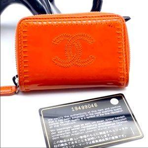 ❤️TRADED❤️Chanel patent orange card holder coinzip